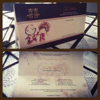 Undangan Pernikahan Oriental Warna Hitam Putih